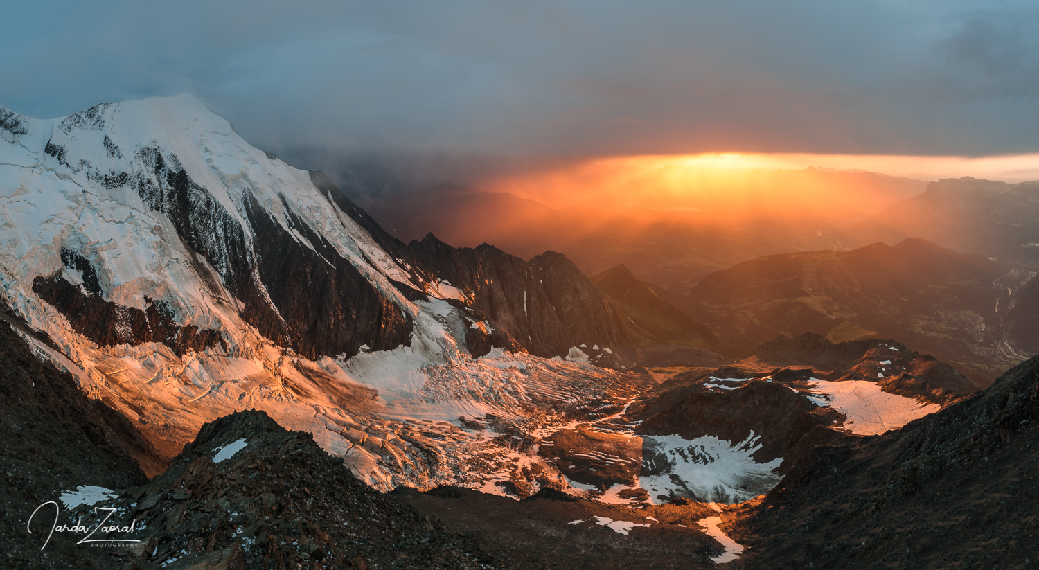 Sunset watching from the  Gouter Hut