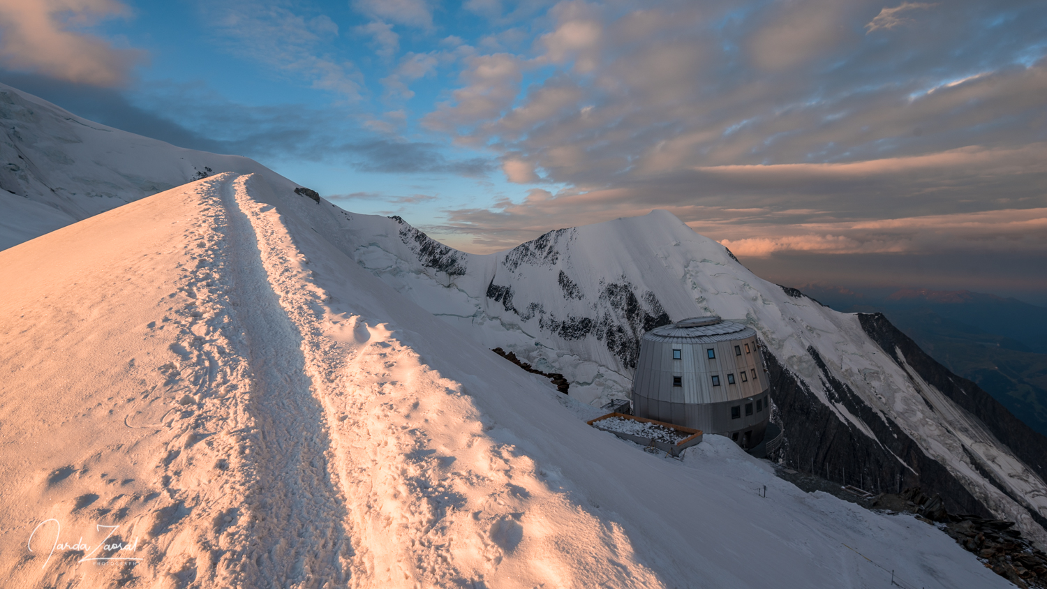 Sunrise at the Gouter Hut