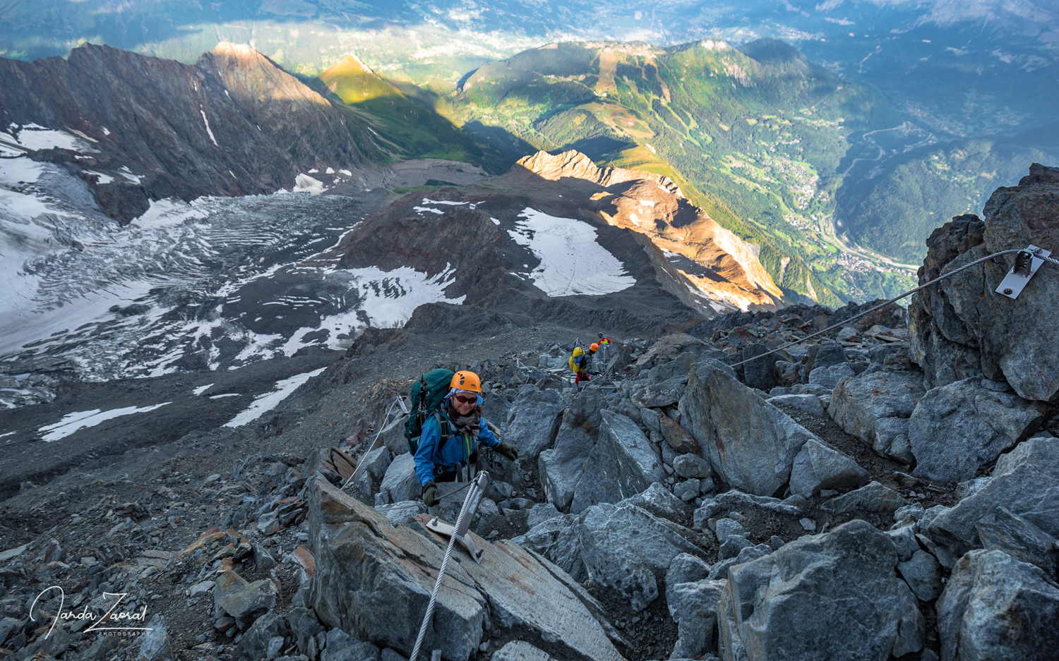 Climbing from Tete Rousse Hut to Gouter Hut