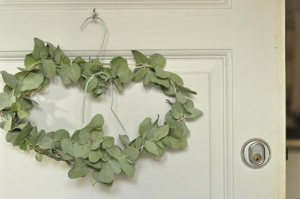 Julekrans med eukalyptusgrene