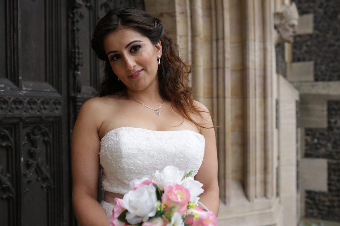 London bridal boutique - ex display wedding dresses - buy wedding dresses in london - croydon bridal shop