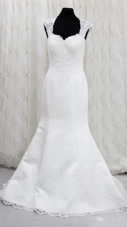 LBB12 sweetheart wedding dress