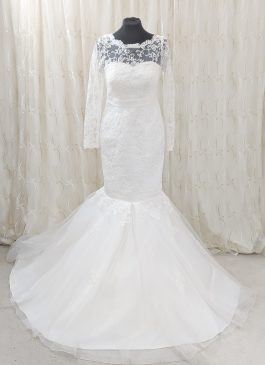 Long sleeve lace trim trumpet wedding dress -tulle skirt - wedding dress shop london -croydon wedding shop #weddingslondon