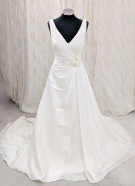 Romanti ball gown wedding dress - ivory wedding dress - croydon bridal store - wedding shop Croydon