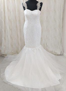 Embellished lace dress - mermaid dress - full skirt lace dress - embelished straps #croydonweddingdress