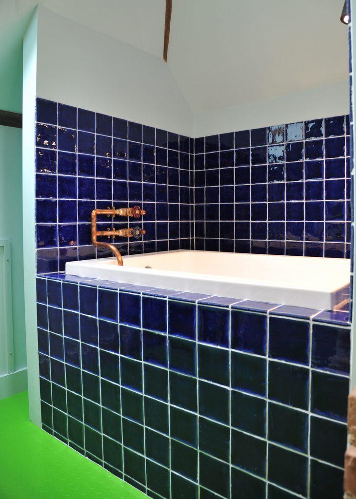 Japanese bathroom en suite to Attic Dorm