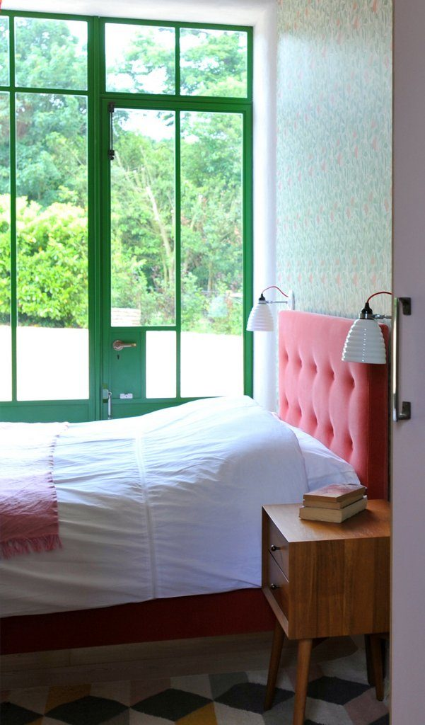 The Pink Room - double with French door to front garden