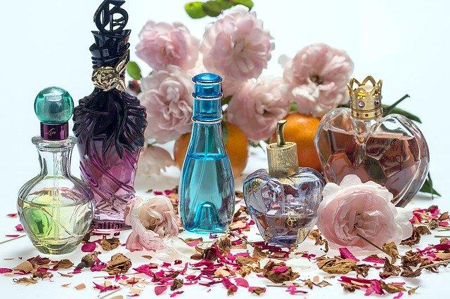 Leere Parfümflaschen