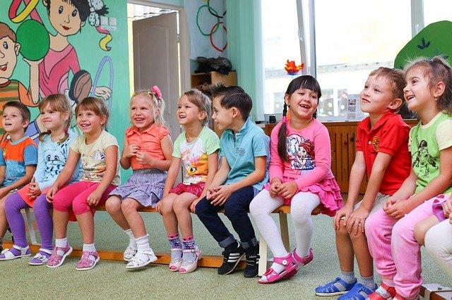 Wandspielzeug für Kinder