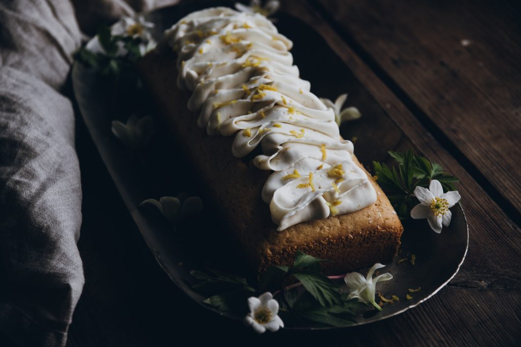 Lemon cake with poppy seeds and lemon frosting