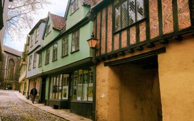 Norfolk Gems: Elm Hill – Lauren Lonergan