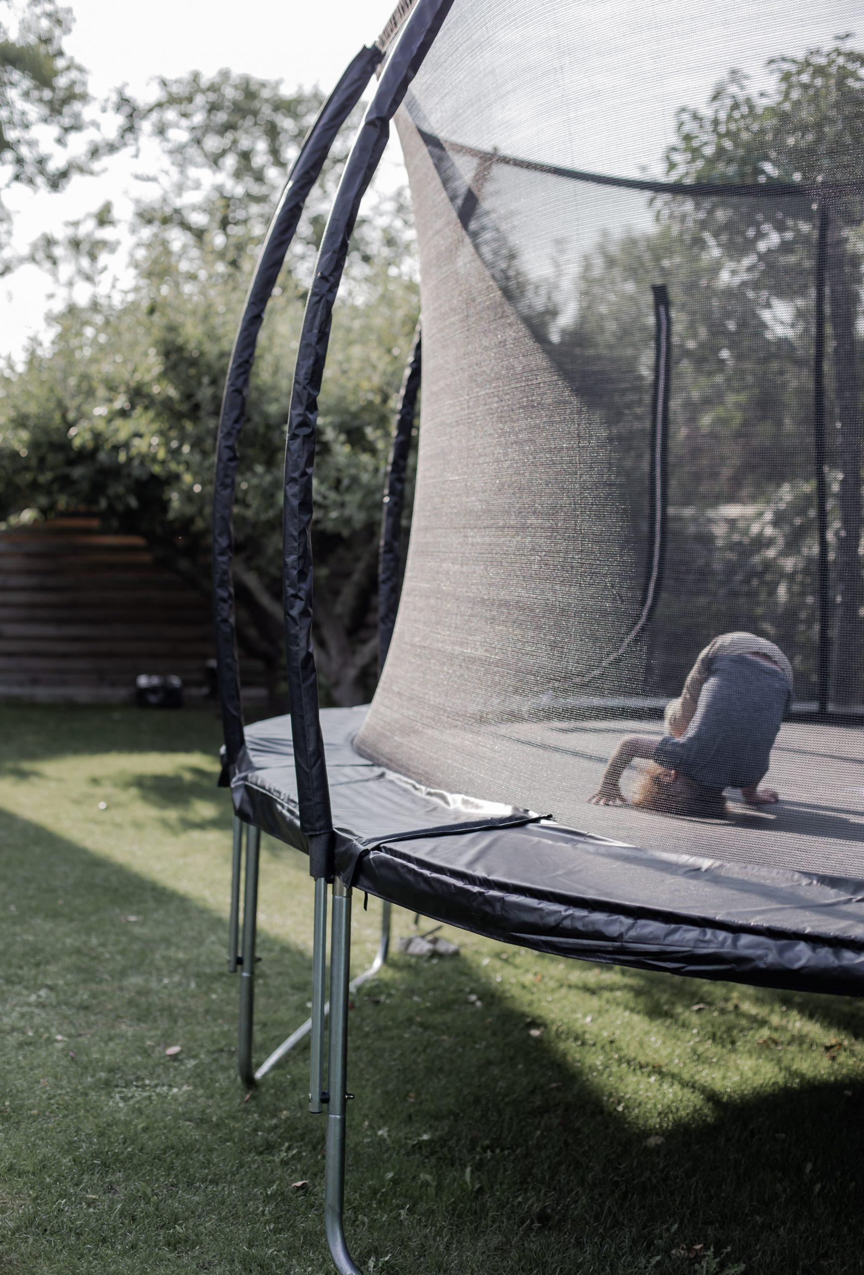 Oval studsmatta