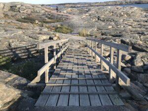 Marstrand-Träbro-över-klipporna