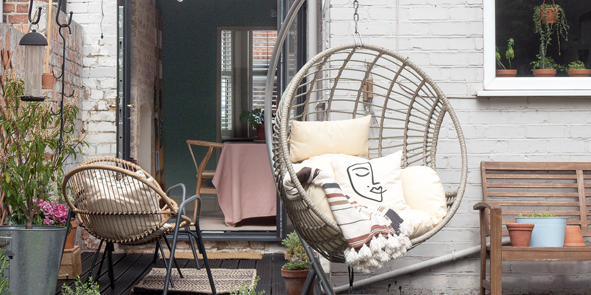 A Buyer S Guide To Outdoor Cocoon Chairs This 1870 House