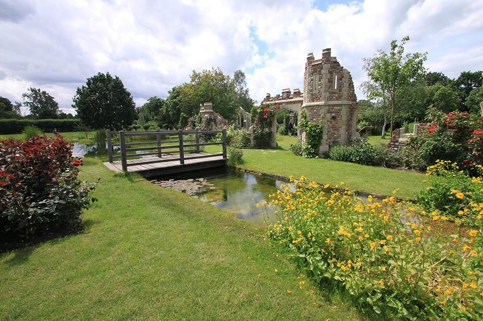 Capel-Manor-Gardens-af5b3f3