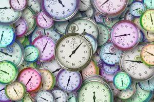 urer i mange farver
