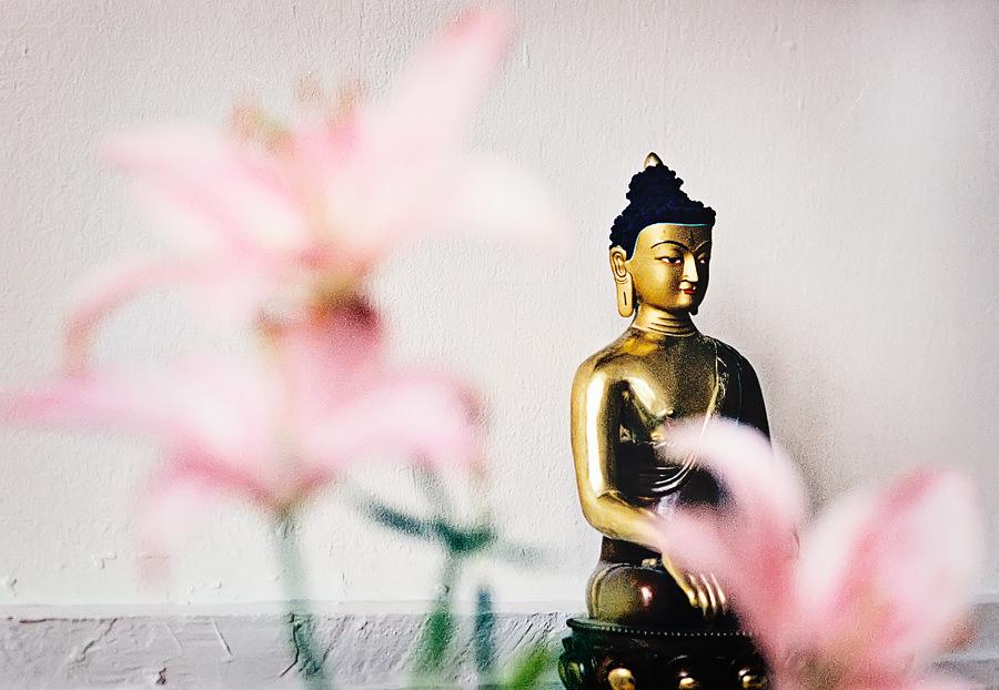 Buddha och blommor