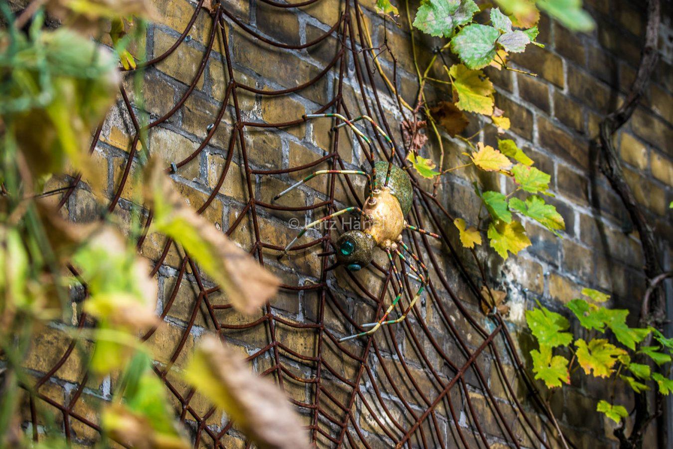 Im Netz der Kunstvollen Werke gefallen finden an Werke aus Recyclingmaterial,