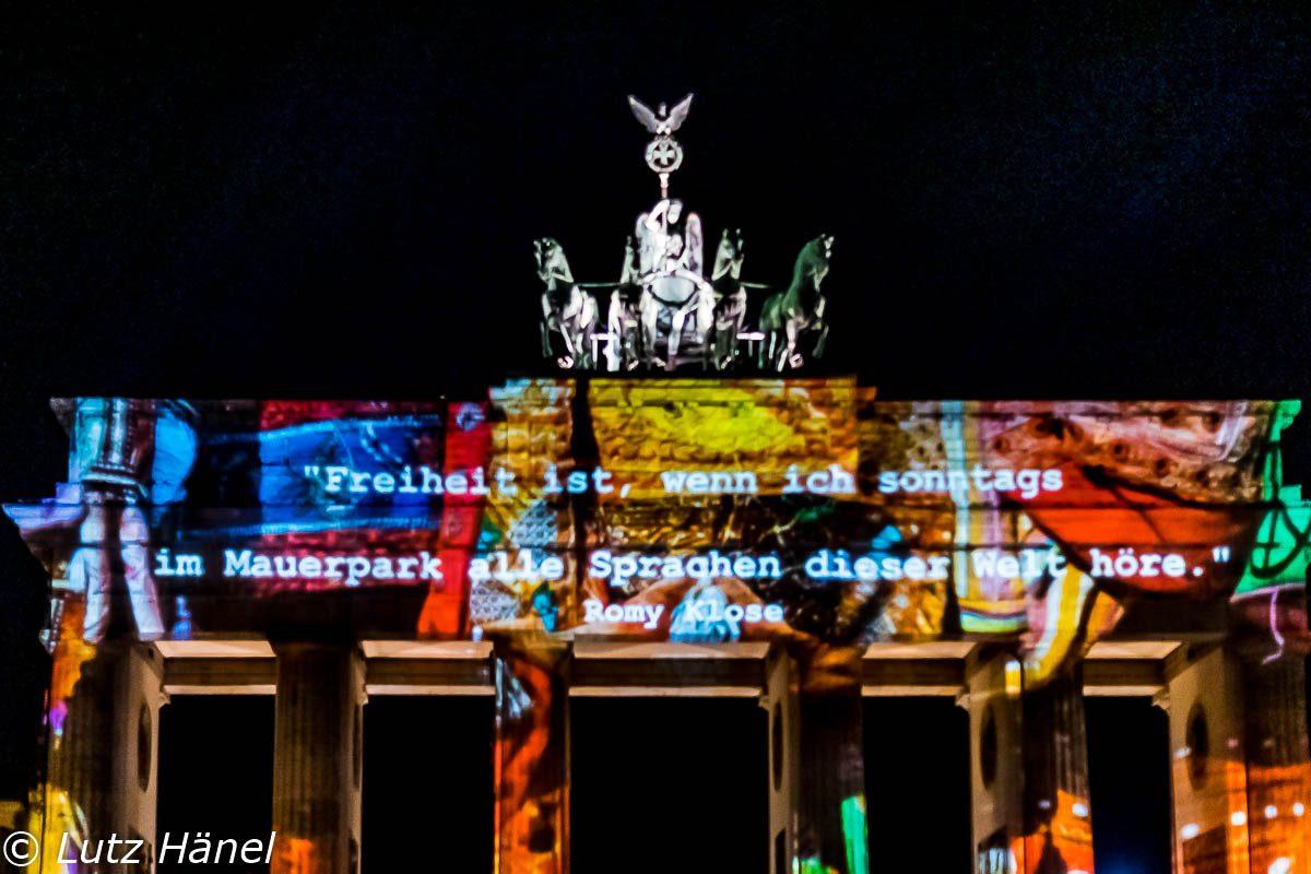 Freiheit ist alle Sprachen der Welt zuhören in Berlin