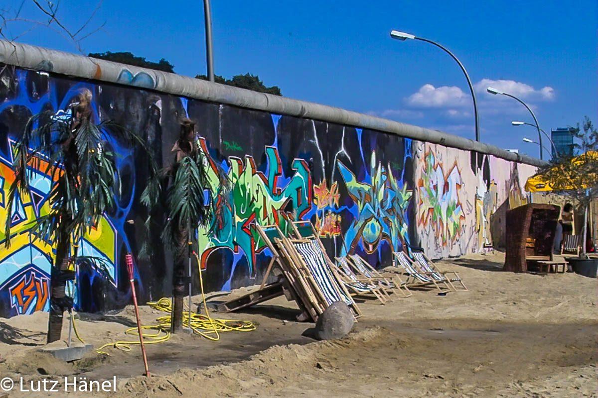 Dieses Foto ist im Rahmen der 1. Sandischen 2003 entstanden das Gelände wurde omgestaltt ist auf dem ehemaligen todesstreifen.