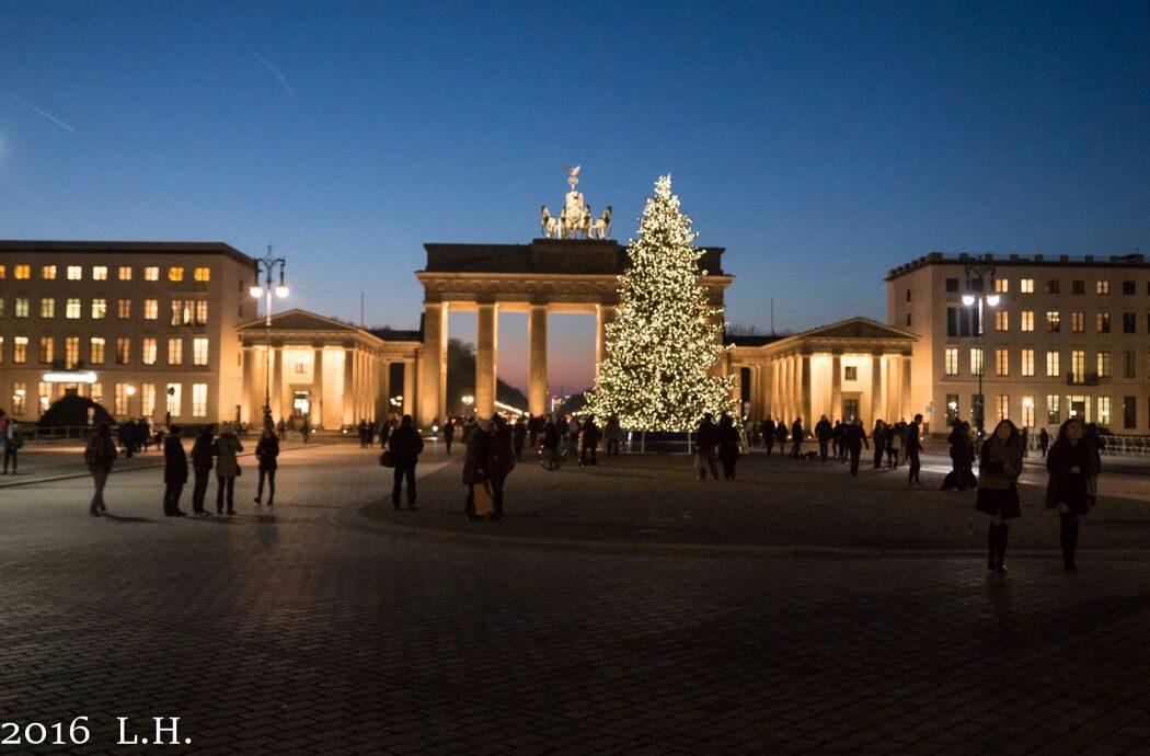 Brandenburger Tor weihnachtlichen Lichtermeer