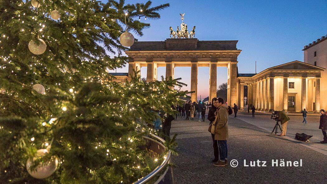 weihnachtliche Atomsphähre am Brandenburger Tor zur Weihnachtzeit