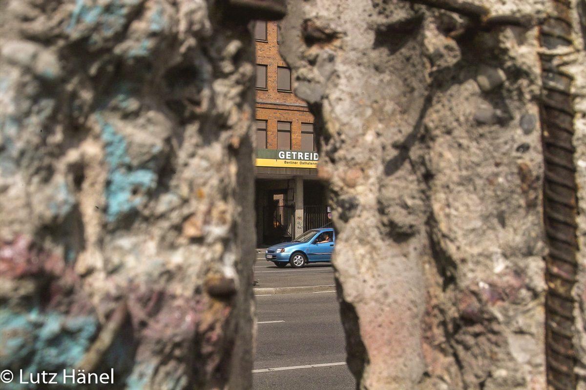 Mauerdurchblick 2003 East Side Gallery