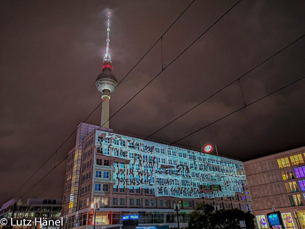 Alexanderplatz mit lluminationen, mit Bildern Herbst 89