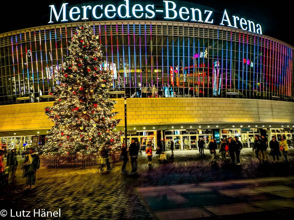 Weihnachtliche Mercdes-Benz Arena