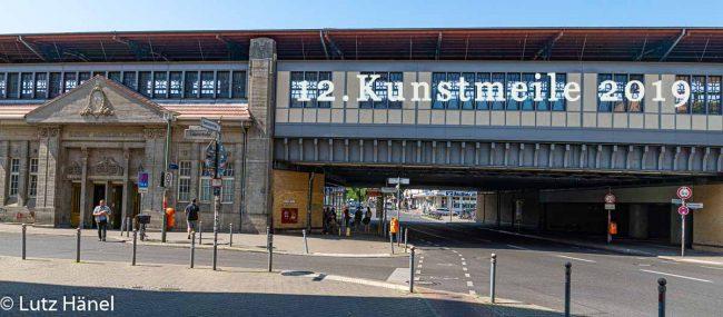 S-Bahnhof Baumschulenweg wir heißen unsere Gäste Herzlich Willkommen zur 12.Kunstmeile im Kiez Baumschulenweg