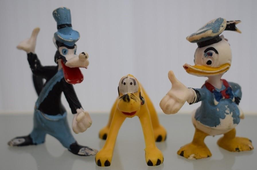 STygga vargen, Pluto och Kalle Anka