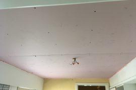 Plaatsen van brandwerend plafond