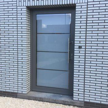 44 vernieuwen voordeur buitenzijde