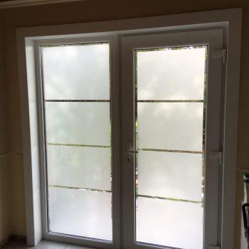 plaatsen van voordeur in pvc binnenzijde