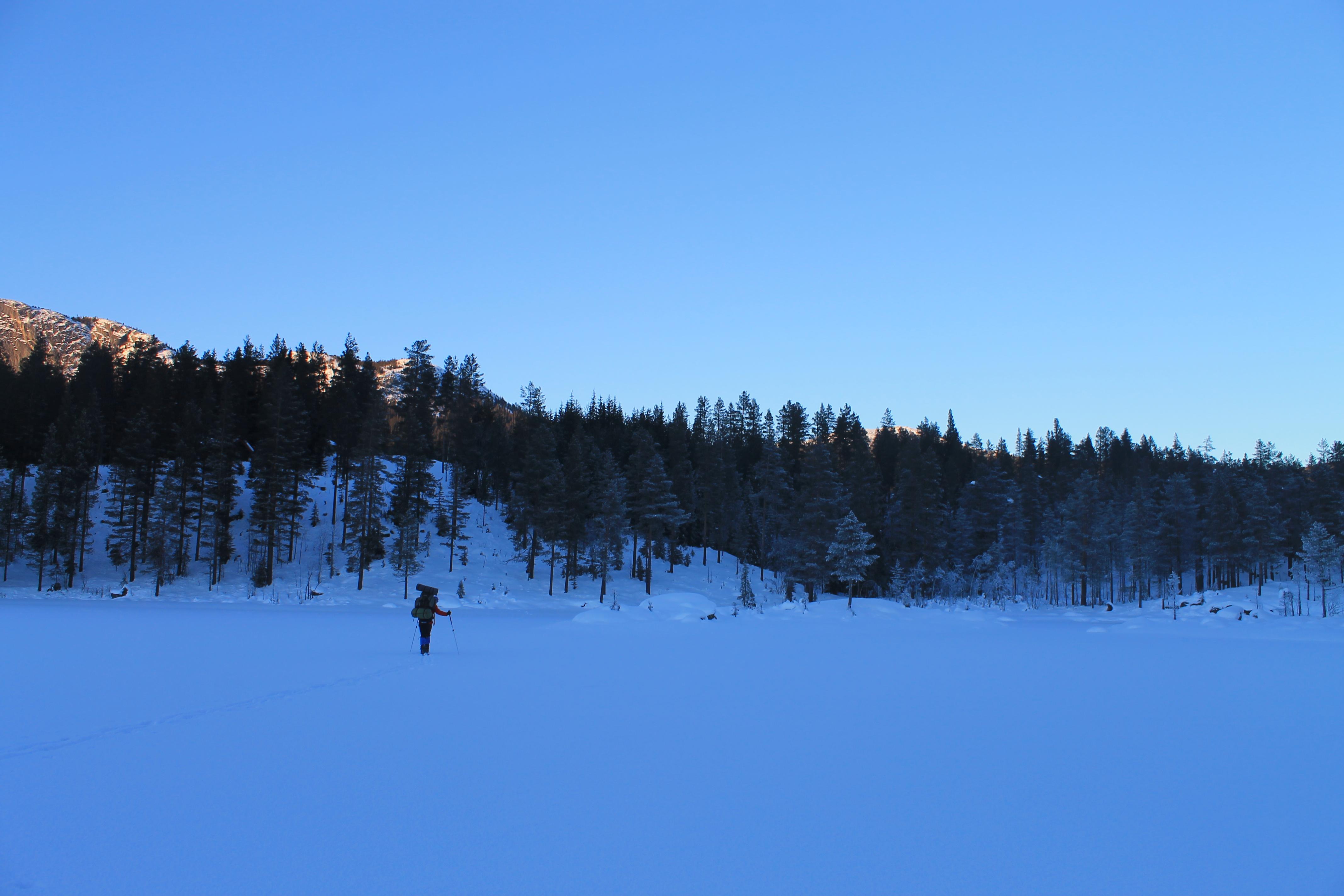 På ski gjennom Vassfaret en kald januardag.