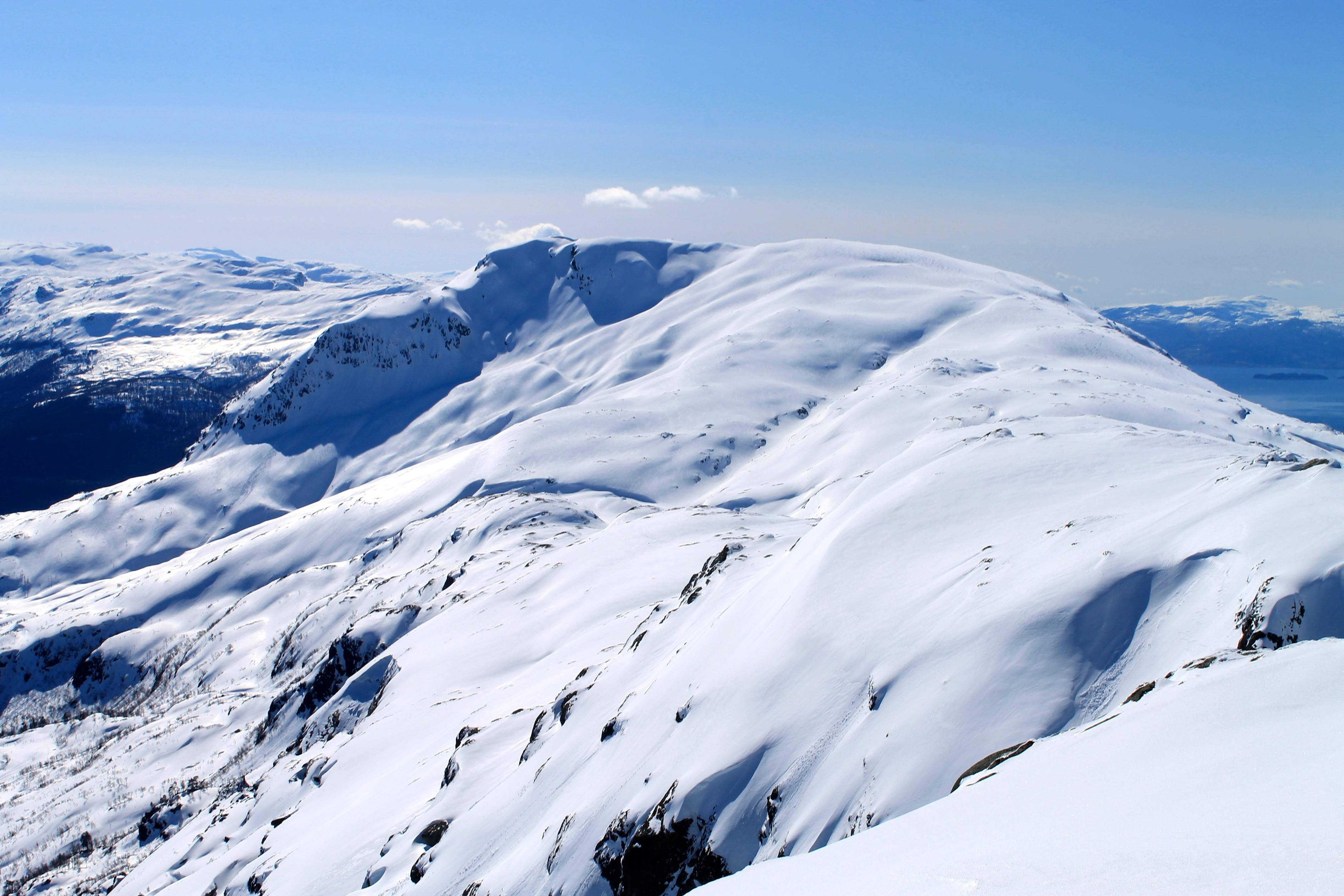 Oksen sett fra Ingebjørgfjellet. Ingebjørgfjellet er en fin avstikker fra Oksen.