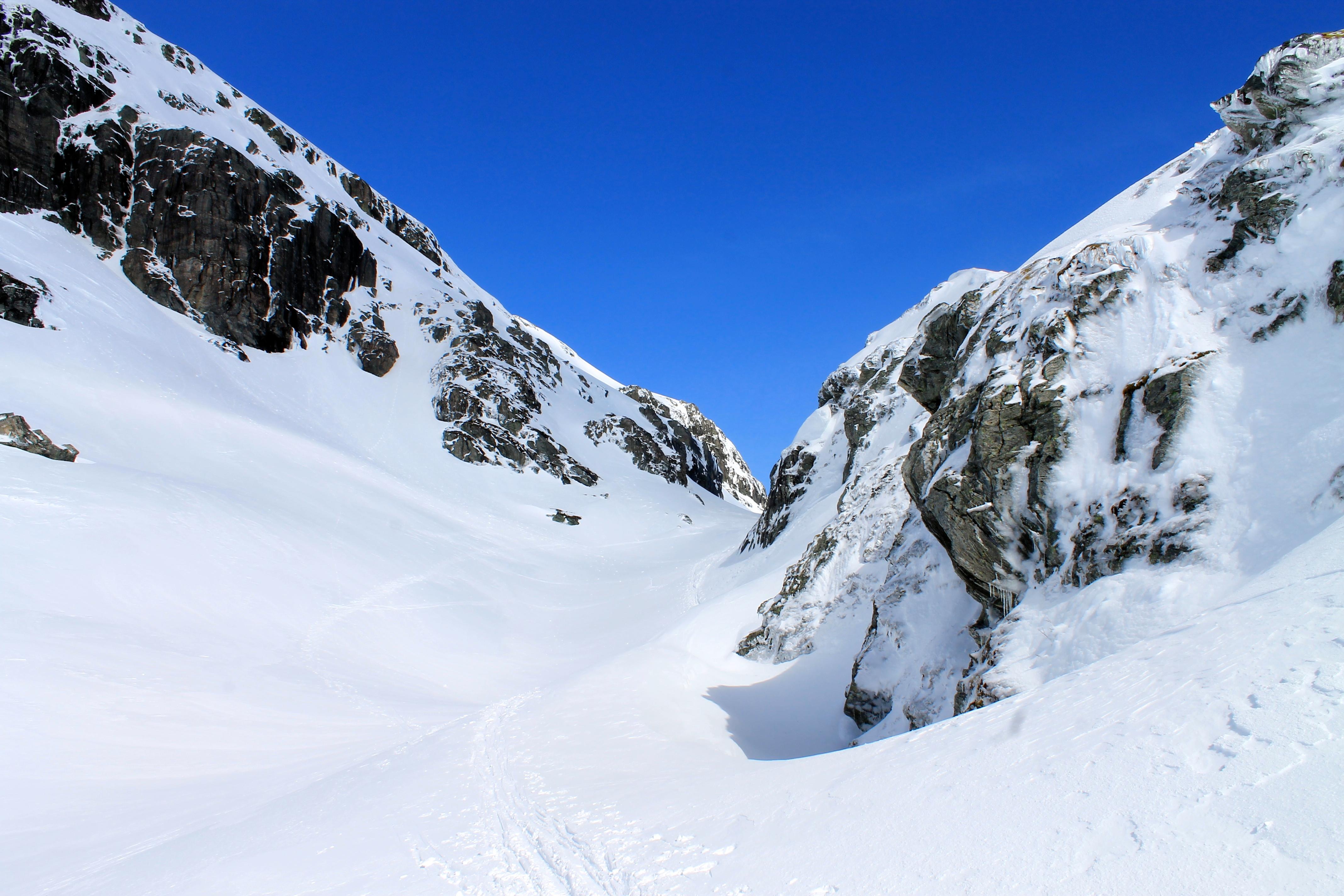 På ski gjennom Purkegjeldet.