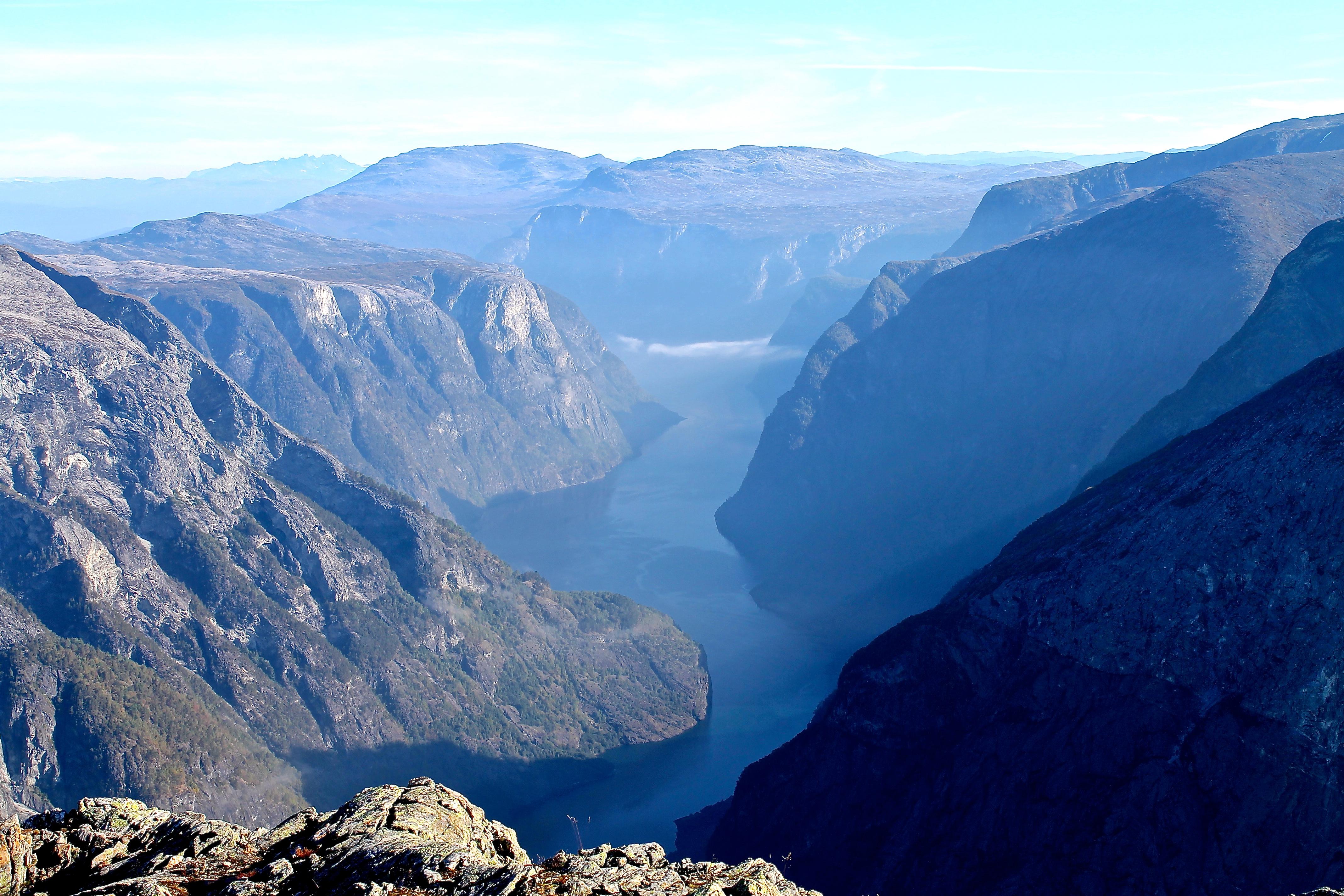 Spektakulære Nærøyfjorden sett fra Bakkanosi (1.398  moh).