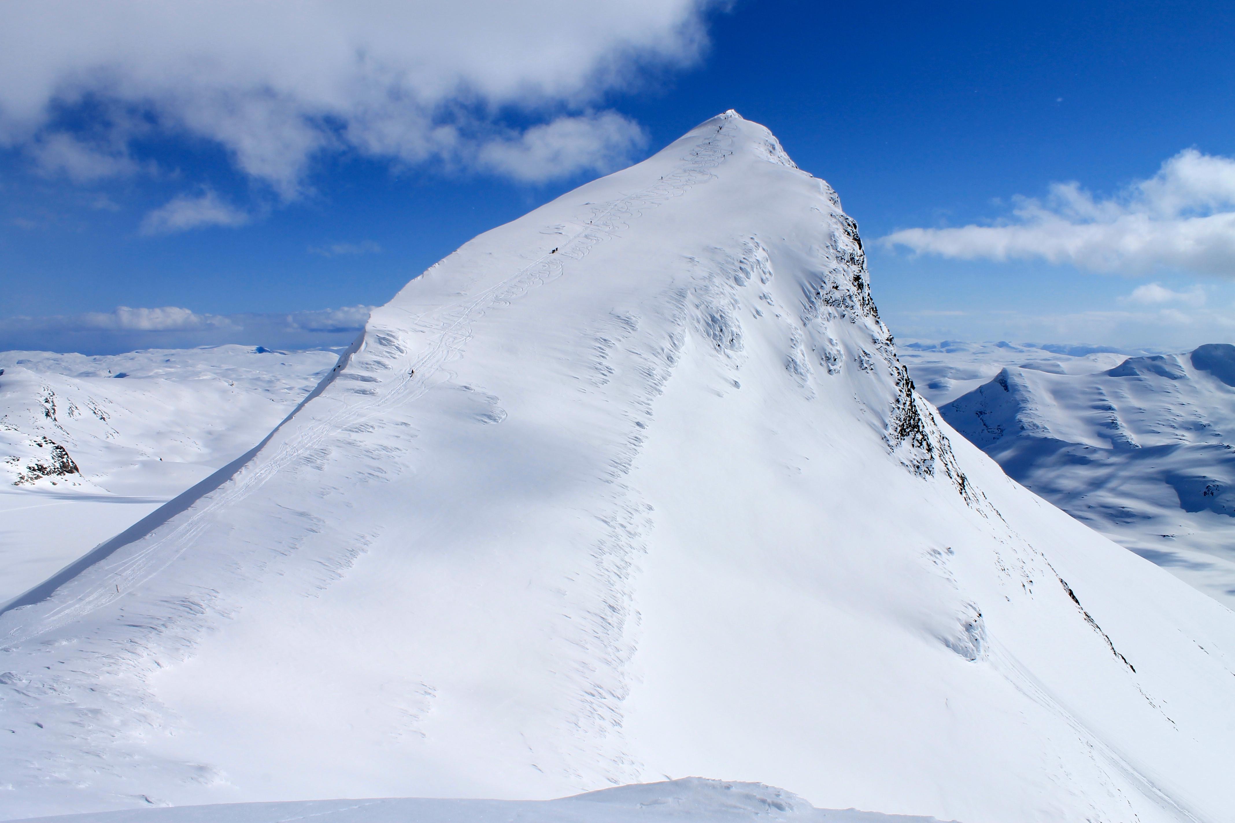 Uranostinden 2.157 moh er en av Jotunheimens flotteste topper.