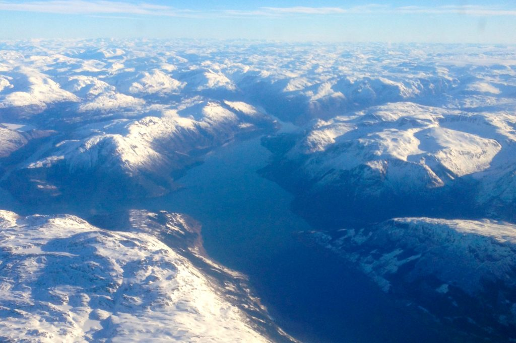 Oksen, Ingebjørgfjell og Midtfjell sett fra luften