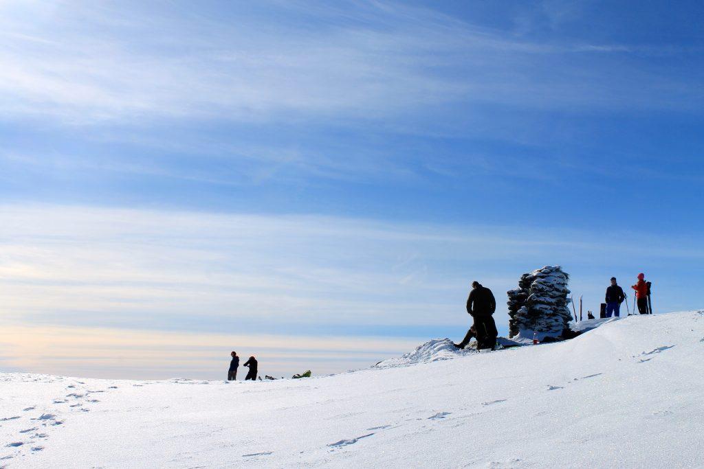 Toppvarden på Midtfjell i Hardanger.