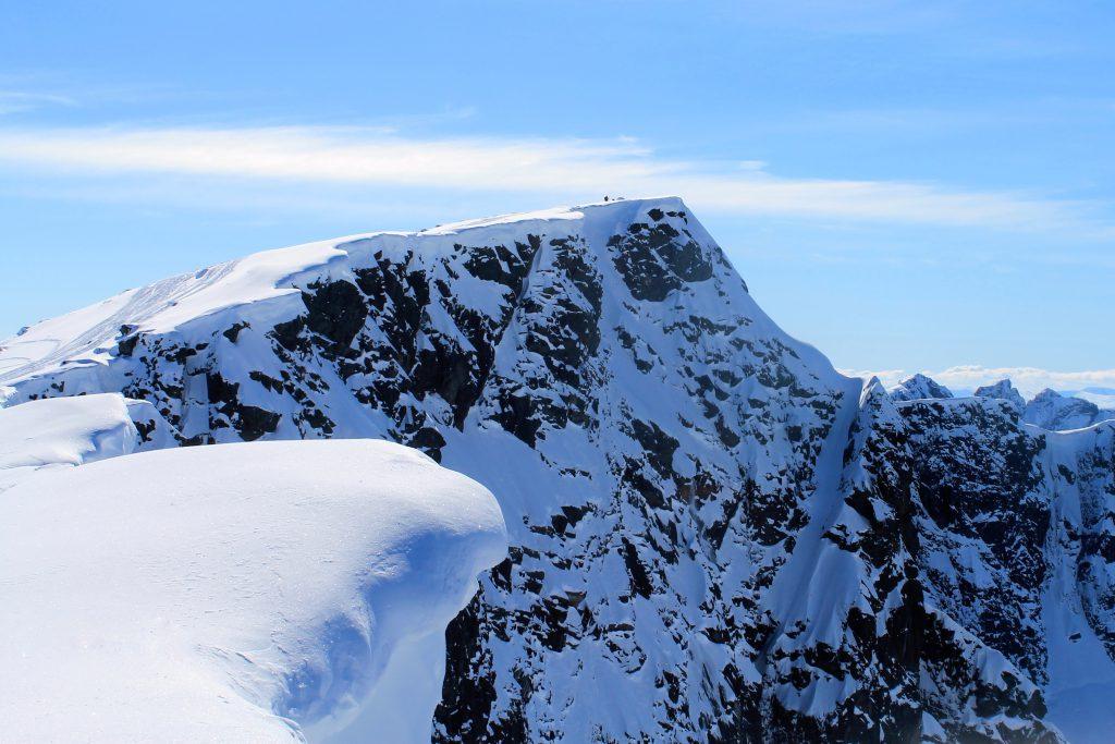 Austre Kalvehøgde i den østlige delen av Gjendealpene er en enkel topptur fra Valdresflye.