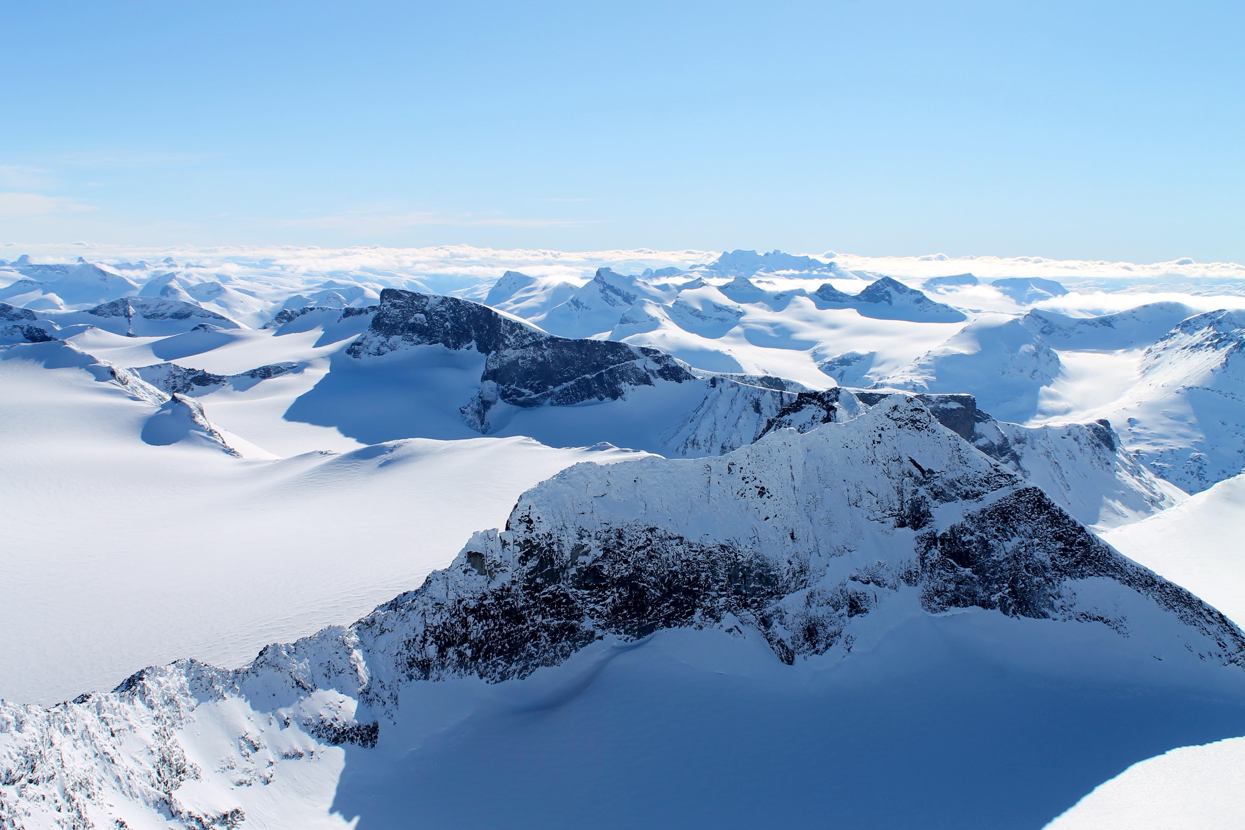 Utsikt fra Galdhøpiggen vestover.