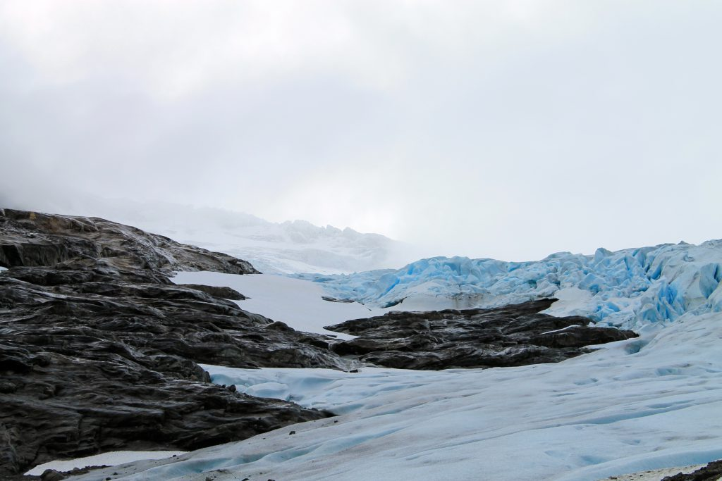 Bødalsbreen er en av Jostedalsbreens mange brearmer.