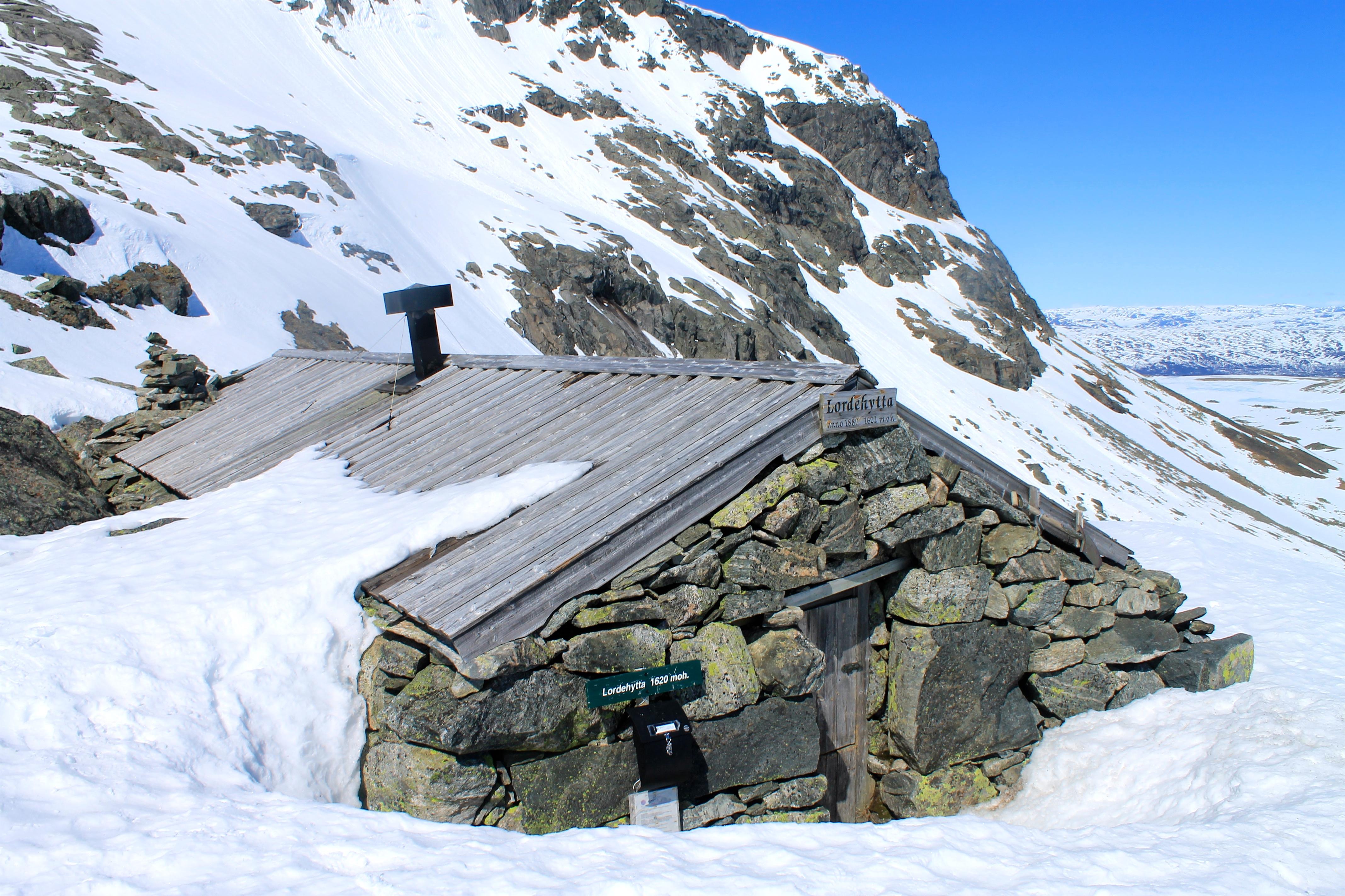 Lordehytta fra 1880 i Folarskardet 1.620 moh.