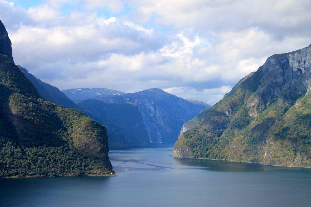 Aurlandsfjorden trekker hvert år tusenvis av turister fra hele verden.