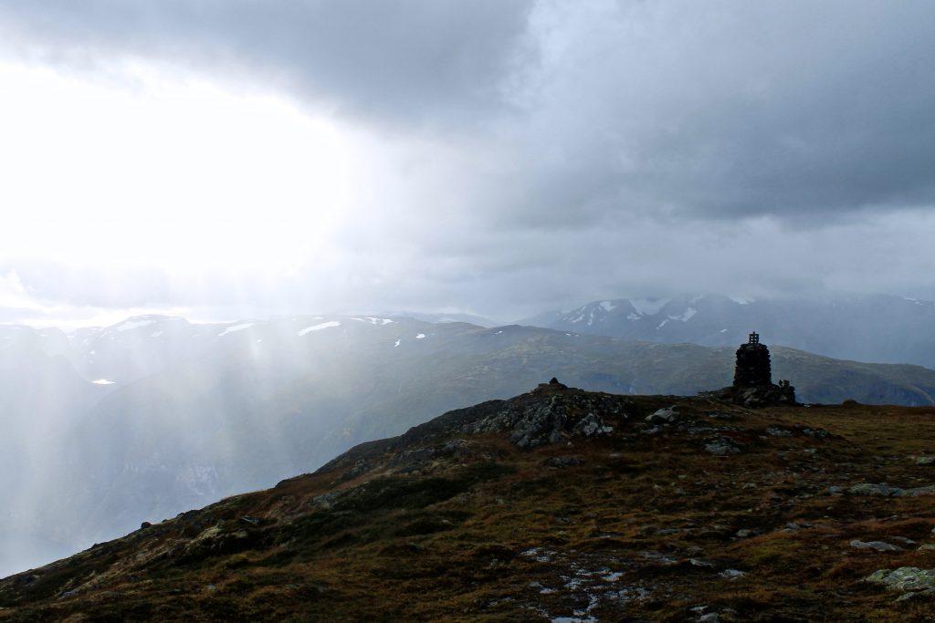 Varden ved utsiktspunktet på 1.363 moh på Prest.