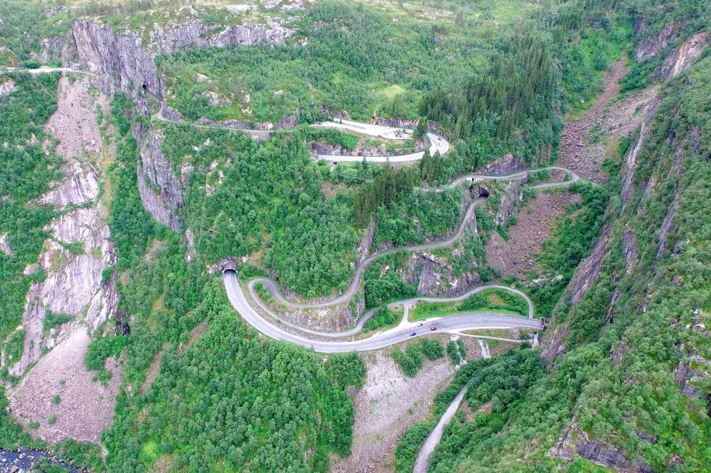Måbødalen har vært en viktig ferdselsvei over Hardangervidda i århundre, noe den fremdeles er.
