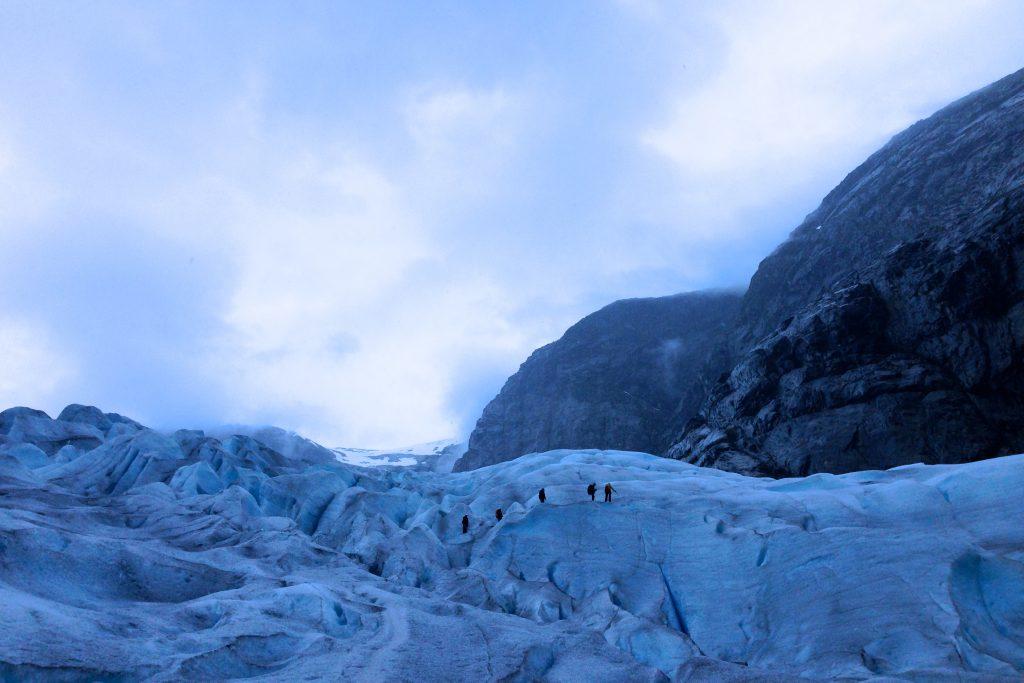 Brevandring på Nigardsbreen i Jostedalen.