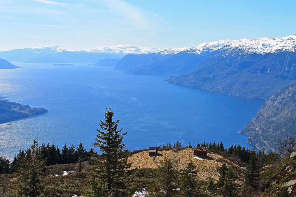 Seteren Vindhovden på Oksen, med fantastisk utsikt over Hardangerfjorden.